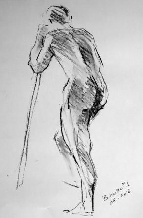 Damien debout en appui sur un bâton - Fusain - croquis court 5mn